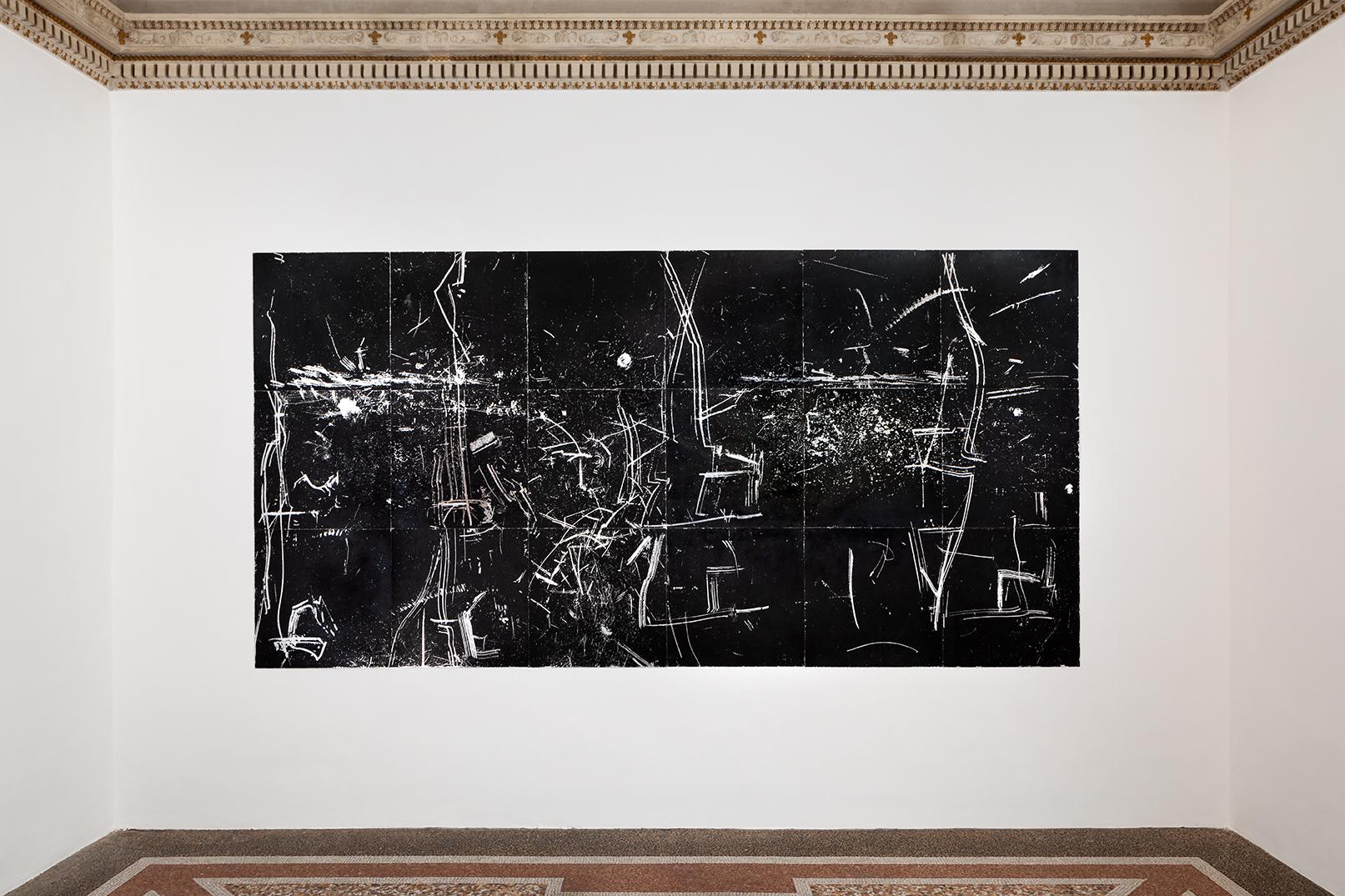 2019 1987 Pavimento Argento Smerigliatura Stillegno Masonite, foglia d'argento, cera, smalto 420 x 210 cm 18 moduli di 70 x 70 cm)