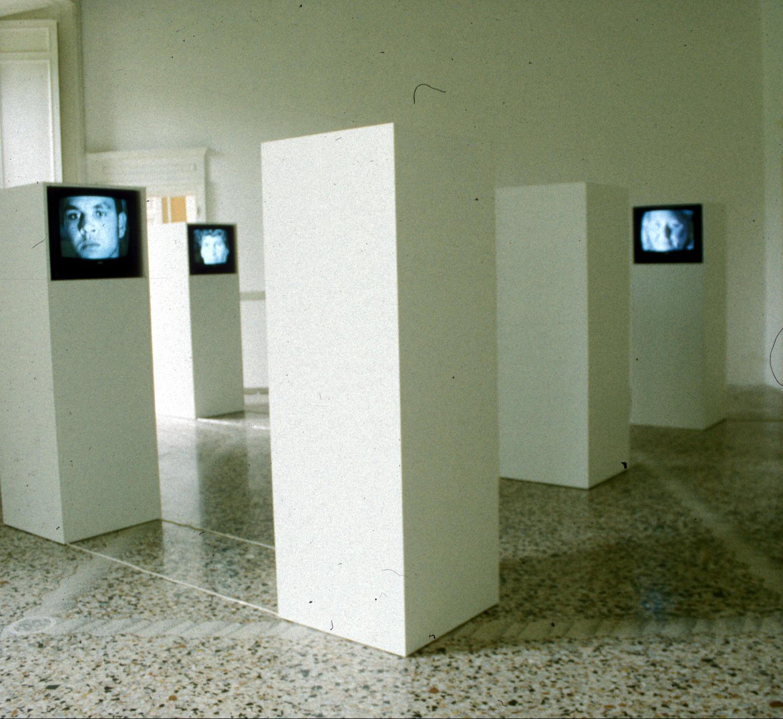 Salvatore Falci, 1998, Silent Communication, Galleria Casoli, Milano 2000