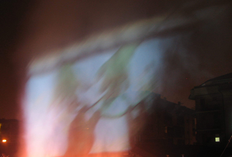 Salvatore Falci, 2012, Arte e Luogo, Unir les Contraires, Ouvrir L'infinì, 3° Paradiso, proiezione su fumo